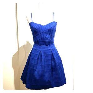 Express skirt and crop top set
